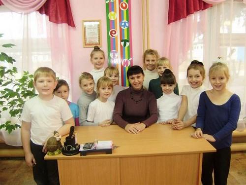 Светлана Горбовская с воспитанниками студии